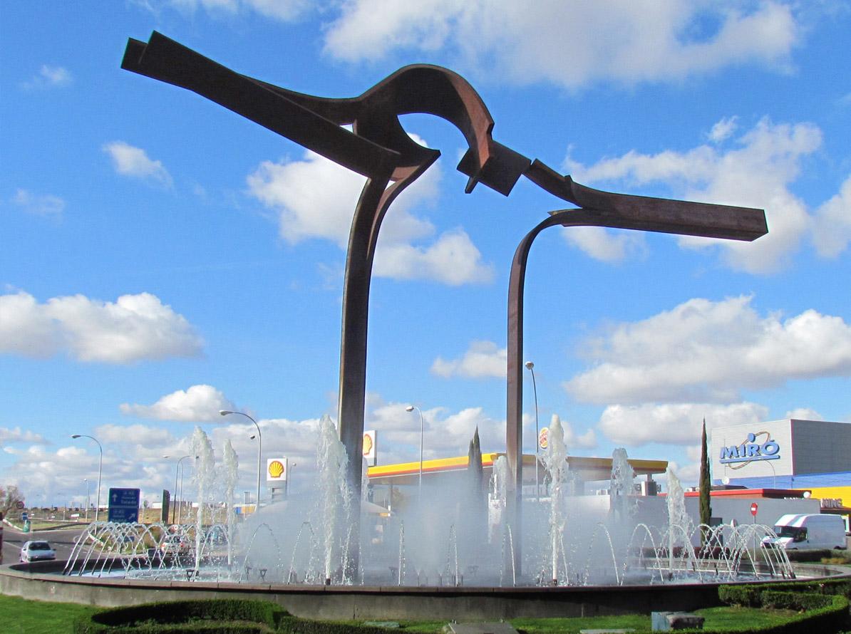 Puerta de la Tolerancia. Corten steel. 1400 x 2000 x 400 cm. Parla. 2005 - Carlos Albert Copyright